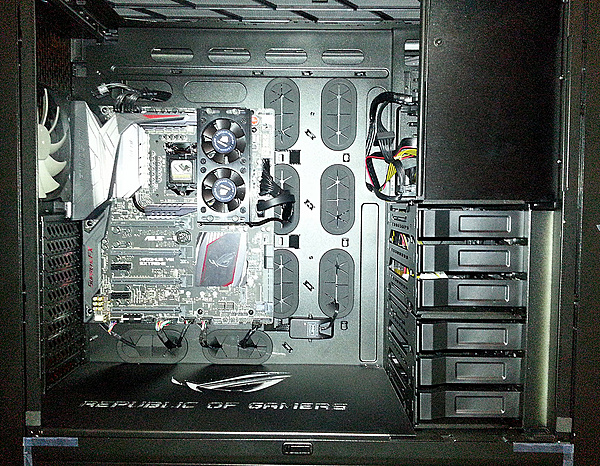 Nuovo Pc Step by step consiglio per Water Cooling Custom-900d-frontview-.jpg