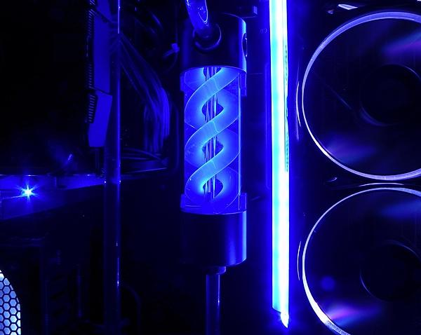 [Liquid Cooling]-Thermaltake Core P5 ed integrazione tubi rigidi-15.jpg