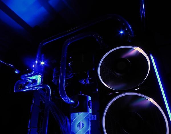 [Liquid Cooling]-Thermaltake Core P5 ed integrazione tubi rigidi-16.jpg
