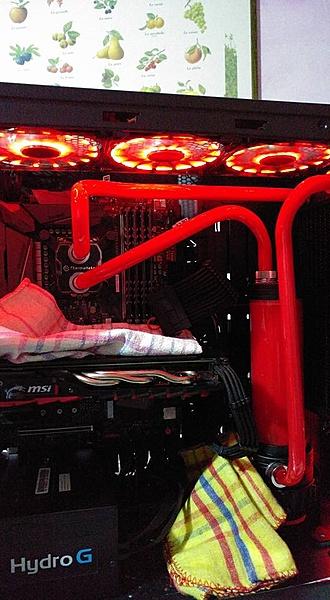 un paio di computer a liquido (hard tube)-28167977_1981969828497045_1968146477738735264_n.jpg