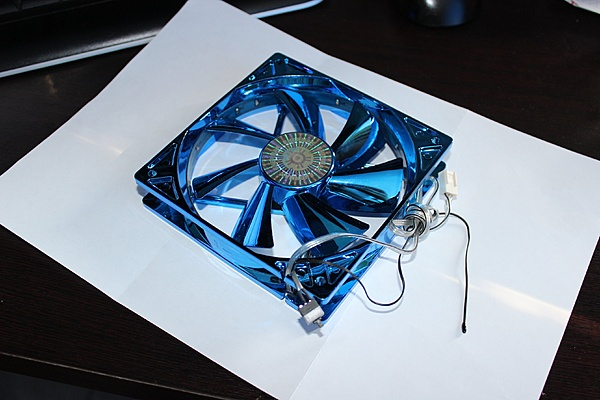 Inserire un'interruttore in una ventola-img_0659.jpg