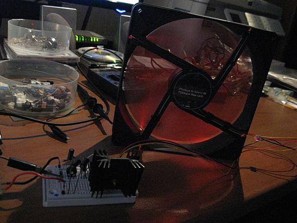 Costruzione water station: controller pompa e ventole da segnale pwm pc-funziona.jpg