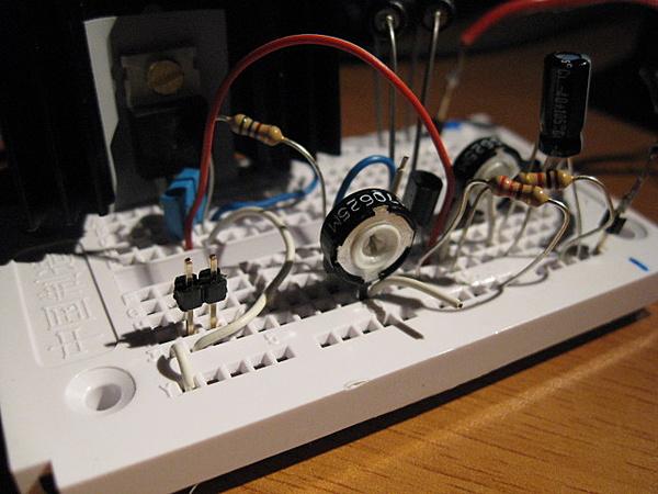 Costruzione water station: controller pompa e ventole da segnale pwm pc-breadboard.jpg