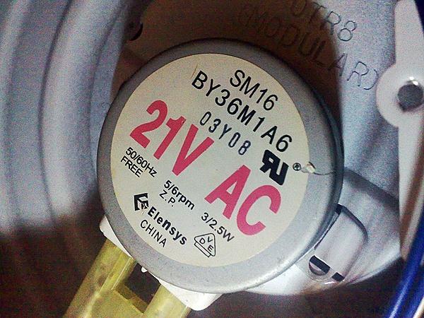 Motorino girapiatto del microonde morto - riesco trovare sostituto?-05032013979.jpg