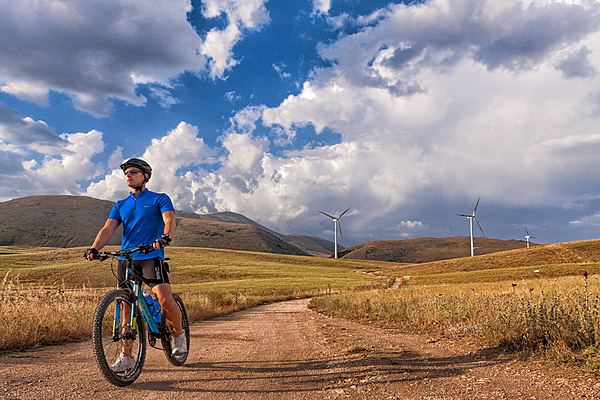 Mountain bike e pale eoliche-web_vento.jpg