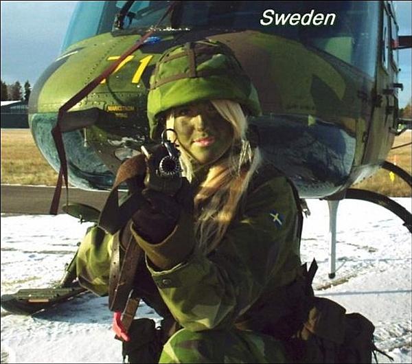 Army Women-svezia.jpg