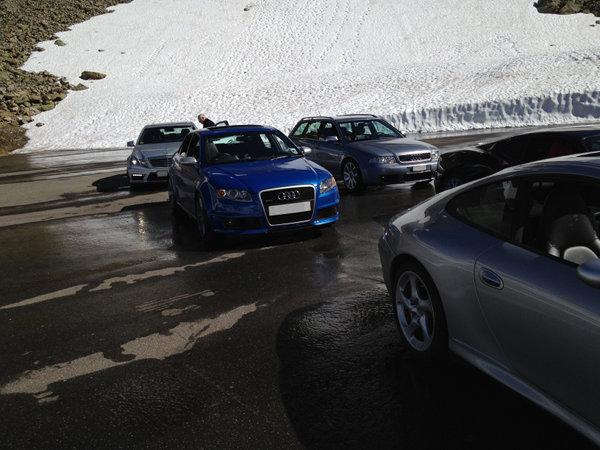Oggi abbiamo terrorizzato i turisti sui passi svizzeri...-giro002.jpg