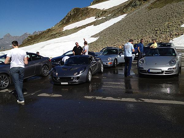 Oggi abbiamo terrorizzato i turisti sui passi svizzeri...-giro005.jpg