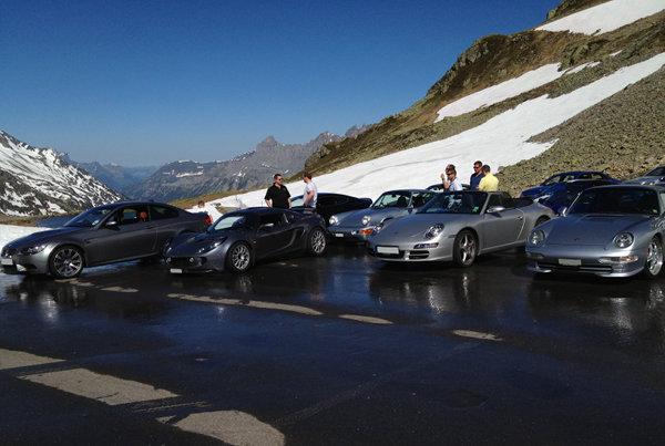 Oggi abbiamo terrorizzato i turisti sui passi svizzeri...-giro006.jpg