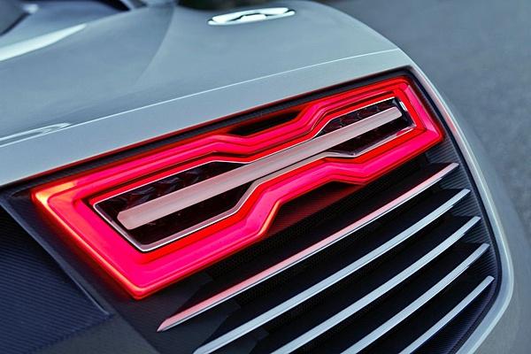 Audi e-tron Spyder-313585_10150319850226470_96585976469_8445472_878059878_n.jpg