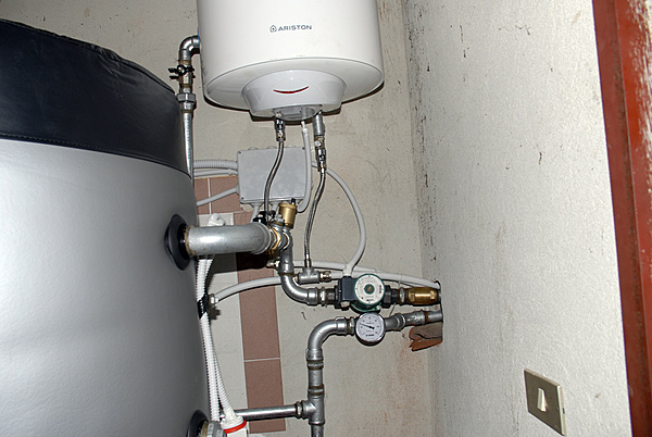 Installazione di una caldaia a pellet-_dsc0142.jpg