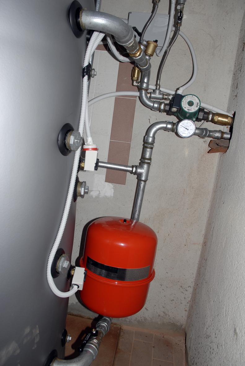 Installazione di una caldaia a pellet for Vaso d espansione