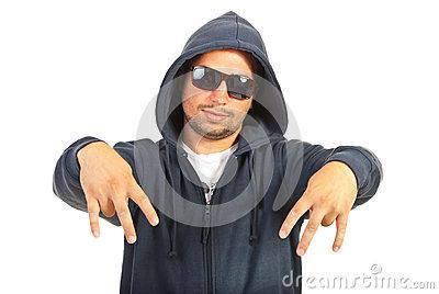 oscurazione vetri auto-gesturing-dell-uomo-del-rapper-31557766.jpg