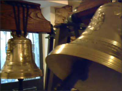 Nome:   campane.jpg Visite:  145 Grandezza:  12.6 KB
