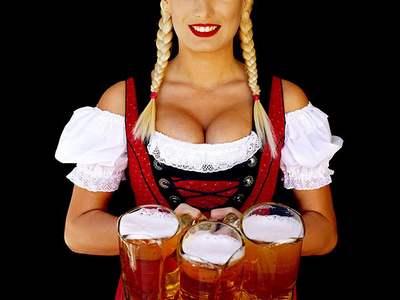 Auguri a.....-pivo-grudi-oktoberfest.jpg