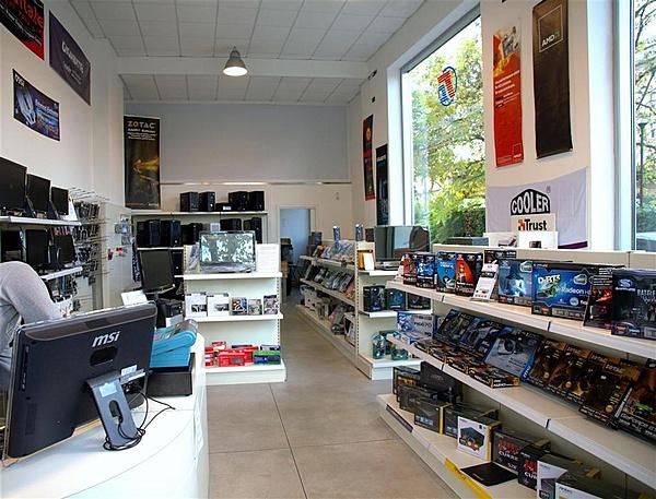 Invito per inaugurazione nuovo punto vendita di Tecno Computer-shop-tc-2.jpg