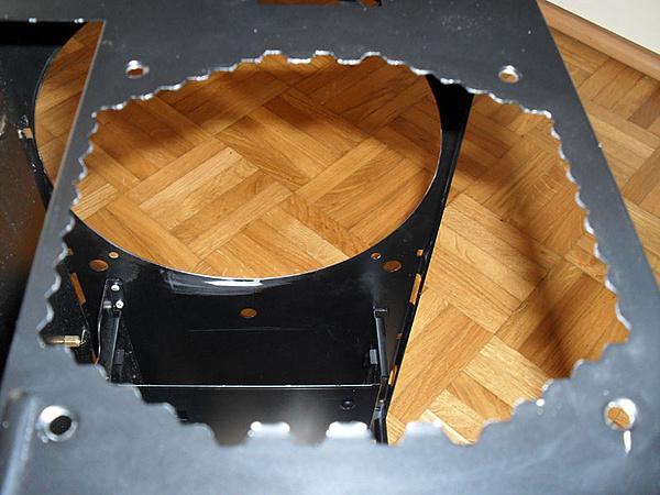 Antec Mini P180 Carbon-mini-p180-carbon_19.jpg