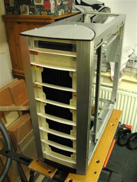 Cooler Master Stacker STC-T01 / RC-810-cooler-master-stacker-atx-btx-stc-t01-stackart-fflow.jpg