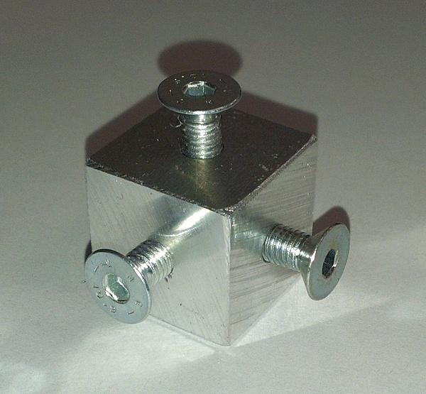 Case in plexy-cubi_2.jpg