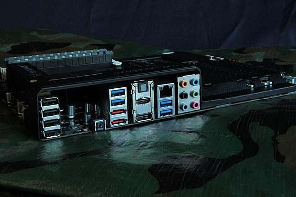 Asus Sabertooth Z77 /  Maximus V Gene + Intel I7 3770k-img_2211.jpg