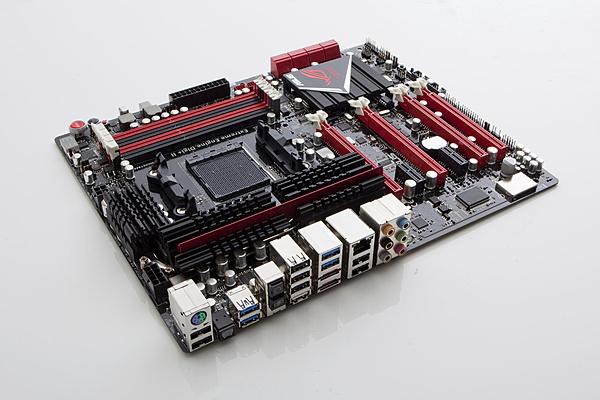 Confronto tecnico della CPU Intel i7 4960 X contro la CPU AMD FX 9590-_mg_4075-copy.jpg