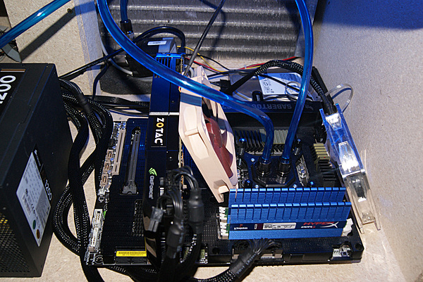 Zotac GTX 580-dsc01416.jpg