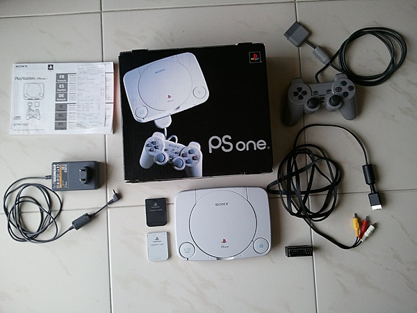 [AP / FM] Vendo Playstation 1 + 4 giochi originali € 40 spedito.-1.jpg