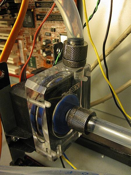 [Civitavecchia+SPED] Laing DCC 500 12V 1PlusT + XSPC Top Plexy + XSPC Top Reservoir-img_1156.jpg