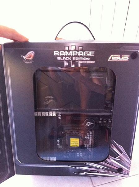 [MI+Sped] asus rampage III black edition + i7 960 box-img_0276.jpg