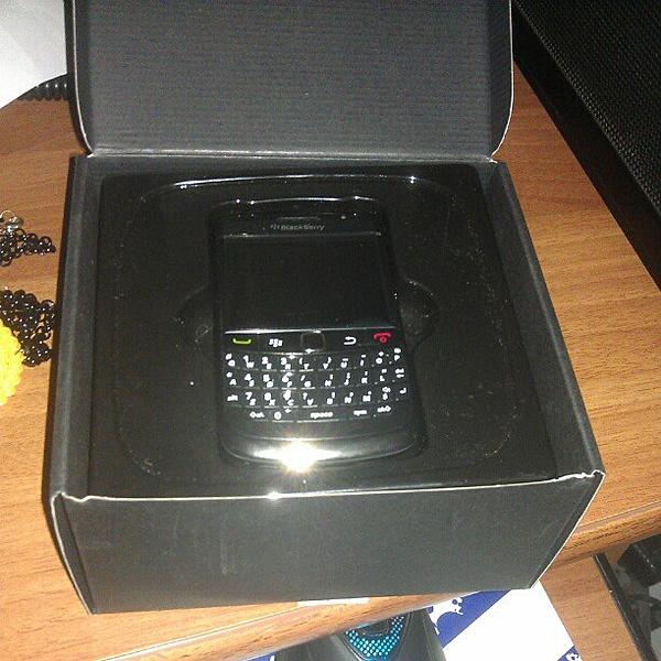 [vi+pd+Sped) Black Berry 9780 Nuovo(solo aperto) 230€-ba16fbfe862f11e180d51231380fcd7e_7.jpg