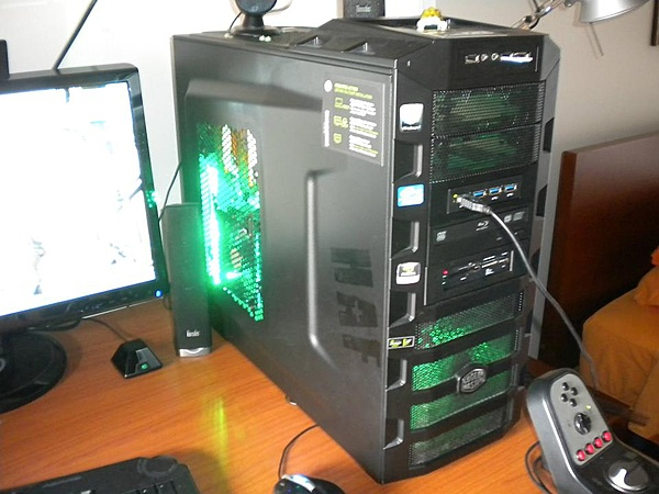 VENDO Cooler Master HAF 922 + LED verdi-380347_374354145935150_620433301_n.jpg