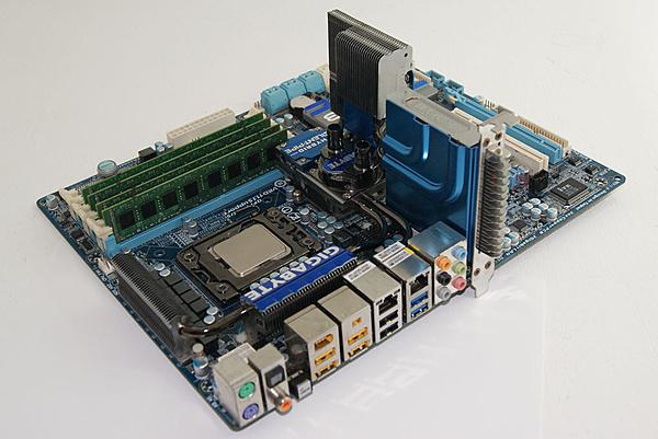 [Ca+sp] Gigabyte X58A-UD7 + Intel I7 980X + RAM 4x4 GB DDR3-dsc05295.jpg