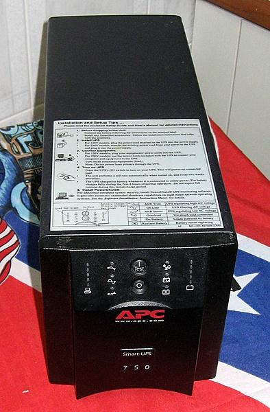 [SP+S.S.] Vendo Gruppo di continuità APC Smart UPS SUA750i-apc-sua750i-01.jpg