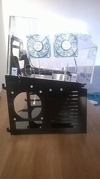 [VI] Banchetto Tecnofront raven + teca plexi con luci UV-wp_20140320_003.jpg