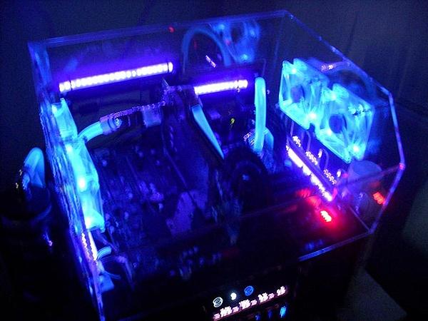 [VI] Banchetto Tecnofront raven + teca plexi con luci UV-dscn0828.jpg