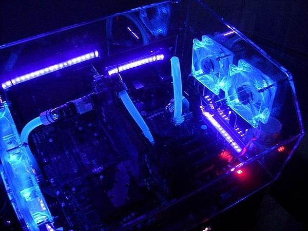 [VI] Banchetto Tecnofront raven + teca plexi con luci UV-dscn0819.jpg
