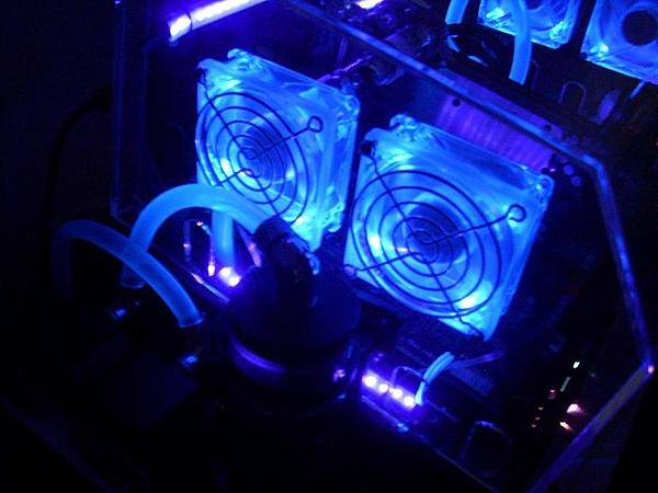 [VI] Banchetto Tecnofront raven + teca plexi con luci UV-dscn0820.jpg