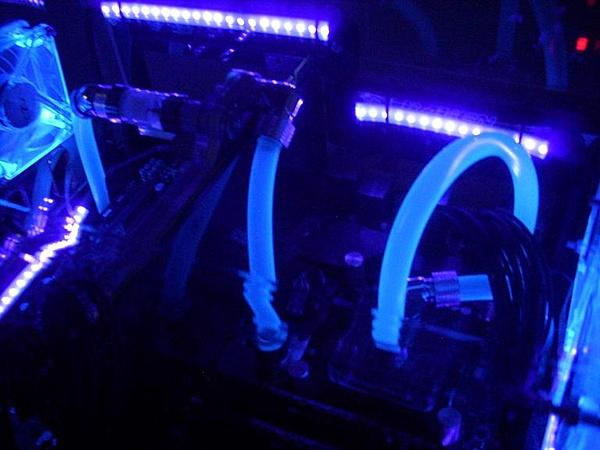 [VI] Banchetto Tecnofront raven + teca plexi con luci UV-dscn0821.jpg