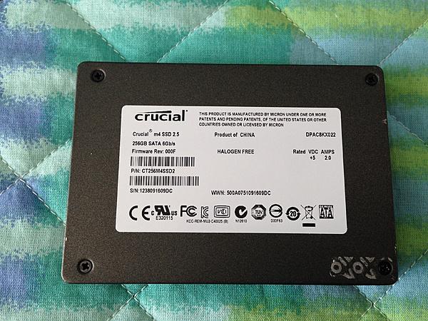 [MB+SS] Crucial M4 256 GB-img_2675.jpg