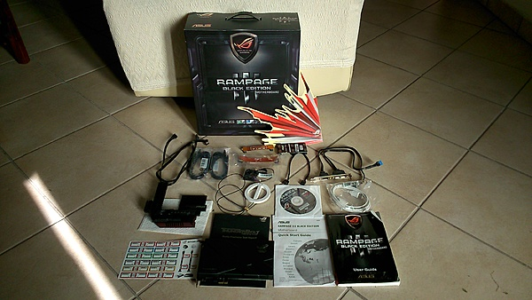 [PN, TV, +SS] Blocco Esacore con Rampage III Black Edition, 12GB Dominator e WB-bundle-r3be.jpg