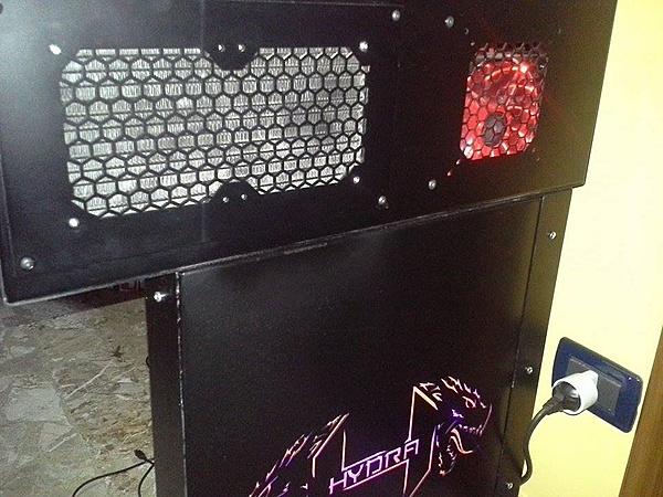 [Pe + ss] Vendo Desk-case (da me costruita)-10877750_10205887196285350_1780826972_n.jpg