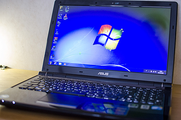 [MB + ss] Notebook Asus U50VG con SSD e Tastiera Illuminata-dsc_0094.jpg