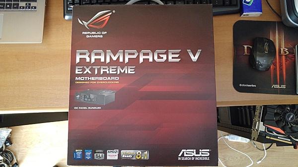 [MB+sped] Asus Rampage V Extreme-20151005_115724-1.jpg