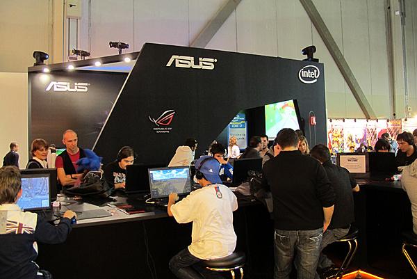 Games Week 2011 - Milano: Resoconto e proposte Asus-2.jpg