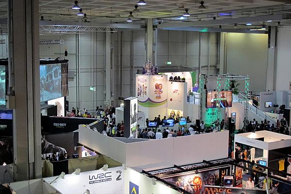 Games Week 2011 - Milano: Resoconto e proposte Asus-g-1.jpg